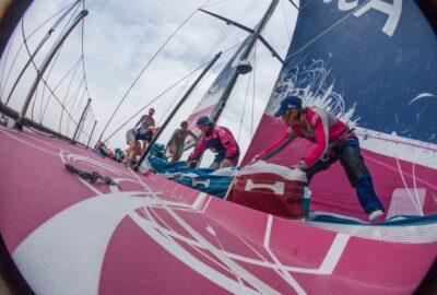 VOLVO OCEAN RACE 2014-15. LEG 8 1J. TEAM SCA ENCABEZA EL MATCH RACE DE LA 8ª LEG.